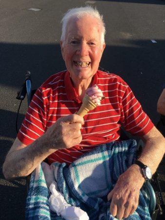 Gilwood Lodge Residents Enjoy the Sun